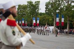 paris france Juli 14, 2012 Rangerna av legionärerna av den franska utländska legionen under ståtar tid Royaltyfri Bild