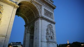 Arc de Triomphe panorama. PARIS, FRANCE - JULY 2, 2017: panorama of Arch of triumph at evening with tourists. Arc de Triomphe at the western end of the Champs stock video