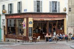 Typical bistro in the parisian district of Montmartre Royalty Free Stock Photos
