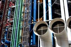 Paris, France, le 12 août 2018 Centre Pompidou, façade colorée avec des tubes et canalisations images libres de droits