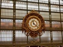 Paris, France, le 9 août 2018 Horloge d'or baroque au musée Musee d Orsay d'Orsay image stock
