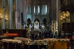Paris, France, le 27 mars 2017 : L'intérieur du Notre Dame de Paris Photos libres de droits