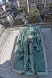 PARIS, FRANCE - 2 MAI 2016 : Tombe de Victor Noir dans le fondateur homeopaty de cimetière de Pere-Lachaise Photographie stock