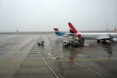 PARIS, FRANCE - 19 mars 2018 - aéroport de Paris couvert par la neige Photo stock