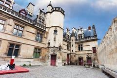 Cour d'honneur en Musee de Cluny à Paris Photos libres de droits