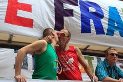 PARIS, FRANKREICH - 25. Juni. 2011 Homosexuell-Stolz Stockbilder