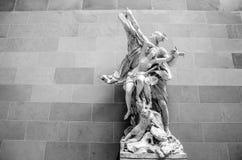 PARIS, FRANKREICH - 30. AUGUST 2015: Gestalten Sie Halle des Louvremuseums, Paris, Frankreich Stockbild