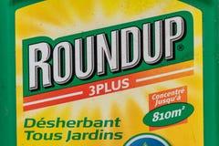 Paris, Frankreich - 15. August 2018: Herbizid in einem französischen Garten Zusammenfassung ist ein Markenname eines Herbizids, d stockfotos