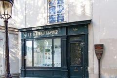 Paris, Frankreich Circa im April 2016: ` Le Bateau-Lavoir das Bootsc$wäsche-haus ` ist der Spitzname für ein Gebäude in Montmartr Lizenzfreies Stockbild