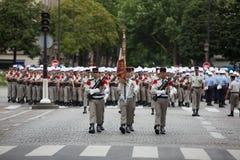 Paris, Frankreich - 14. Juli 2012 Die Prozession von Legionnären während der Militärparade auf dem Champs-Elysees in Paris Stockfotografie