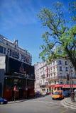 Paris, Frankreich - 28. Juni 2015: Platz und Nachtklub Folies Pigalle stockbild