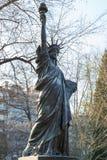 Paris, Frankreich, am 27. März 2017: Das Jardin DU Luxemburg, im 6. Arrondissement von Paris, bewirtet eine kleine Replik von stockbild
