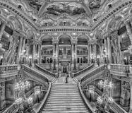 PARIS, FRANKREICH - 3. MAI 2016: Opernparis-Innenansicht der Treppe Lizenzfreie Stockbilder