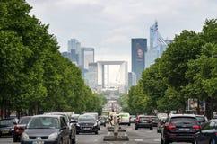 Paris, Frankreich - 14. Mai 2015: Verkehr am La-VerteidigungsGeschäftsbereich Stockbild