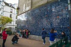 PARIS, FRANKREICH - 8. November 2014 Wand der Liebe hergestellt durch Freder Stockfotografie