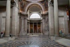 PARIS FRANKRIKE - APRIL 23, 2016: Inre inre av den franska mausoleet för stort folk av Frankrike - panteon i Paris Arkivbild