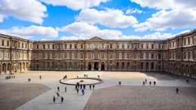 Paris/Frankrike - April 03 2019 luftventilmuseum paris arkivbilder
