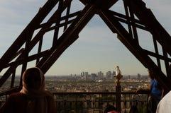 Paris Frankrike - April 18, 2018: Sikt uppifrån av Eiffelen Arkivbilder