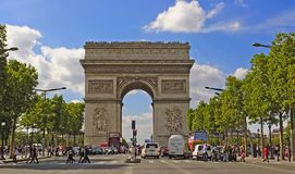 PARIS FRANKRIKE - Augusti 19, 2017 Paris Frankrike - berömda Triump Royaltyfria Bilder