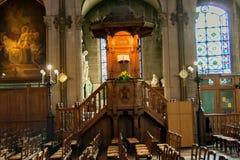 PARIS FRANKRIKE, circa april 2016 Inre av kyrkan av St Augustine Arkivfoton