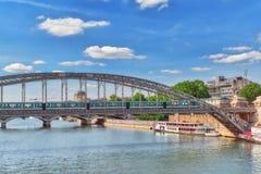 PARIS FRANKRIKE - JULI 09, 2016: Stadssikter av en av mest är Arkivbilder