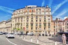 PARIS FRANKRIKE - JULI 08, 2016: Stadssikter av en av mest är Arkivfoton