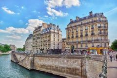 PARIS FRANKRIKE - JULI 06, 2016: Stadssikter av en av mest är Royaltyfria Foton
