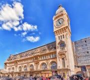 PARIS FRANKRIKE - JULI 09, 2016: StationsGare de Lyon är en av t Arkivbild