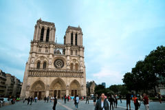 Paris Frankrike - Juni 7, 2016: Notre Dame Cathedral i Paris, Frankrike på Juni 7,2016 Royaltyfri Fotografi
