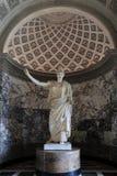 Paris Frankrike - 14 Juni, 2013: Staty av Athena som är bekant som Pallasen av Velletri, Louvremuseum, Paris, Frankrike Royaltyfria Bilder