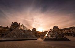 Paris Frankrike - Louvremuseet Royaltyfria Foton