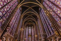 PARIS FRANKRIKE - MAJ 16, 2016: Inre av det berömda helgonet Chapelle Royaltyfri Fotografi