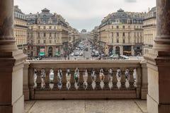 Paris Frankrike, mars 31 2017: Balkong av operamedborgaren de Paris Garnier Palace - neo-barock operabyggnad royaltyfri bild