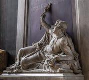 Paris Frankrike, mars 27, 2017: Denys Affre staty inom Notre Dame Ärkebiskop som dödas i 1848 Med inskriften fotografering för bildbyråer