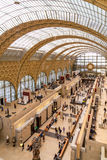 Paris Frankrike, mars 28 2017: Inre av ` för musee som D är orsay på September 12 2015 i Paris Det inhysas i gamlan Royaltyfri Bild