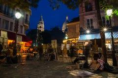 PARIS FRANKRIKE - NOVEMBER 10, 2014 Montmartre smärtar den berömda konstnären Arkivbilder