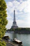 PARIS FRANKRIKE - OKTOBER 12, 2014: Eiffeltorn i Paris, Frankrike Ima Arkivbilder