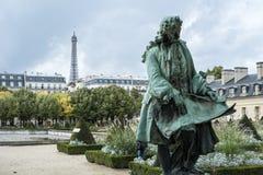 PARIS FRANKRIKE - OKTOBER 20: Staty av Jules Hardouin-Mansart, ar Arkivfoto