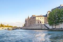 Paris Frankrike, Paris, FranceViews av byggnader, monument och berömda ställen i Paris Arkivbild
