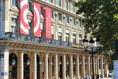 PARIS FRANKRIKE - SEPTEMBER 10, 2015: Fransk komedi Arkivfoton