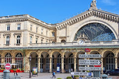 PARIS FRANKRIKE - SEPTEMBER 10, 2015: nationell transport Royaltyfri Bild