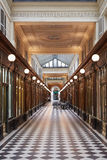 Paris Galerie Vero-Dodat passage, Frankrike royaltyfria bilder