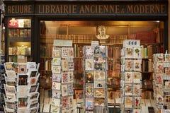 Paris gammal bokhandel i Galerie Vivienne fotografering för bildbyråer