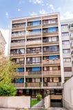 Paris-Gebäude von den Siebzigern Stockfotos