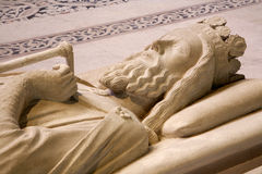 Paris - gravvalv av konungen Clovis I, från den St Denis domkyrkan Royaltyfria Foton