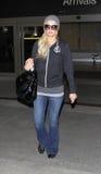 Paris Hilton est vu à l'aéroport de LAX photo libre de droits
