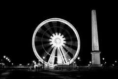 Paris hjul på natten Fotografering för Bildbyråer