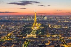 Paris horisont på natten i Frankrike Arkivbild