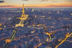 Paris horisont på natten i Frankrike Royaltyfri Bild
