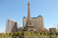 Paris-Hotel in Las Vegas mit einer Replik des Eiffelturms. stockbild